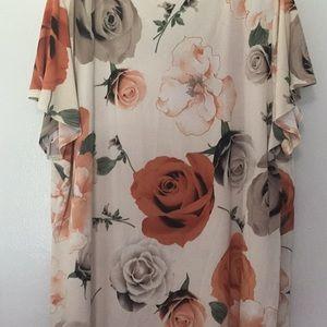 Dress Barn Tops - Beautiful ladies short sleeve blouse